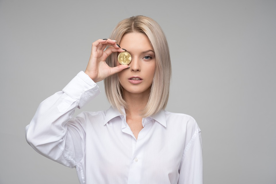 woman cryptocurrency